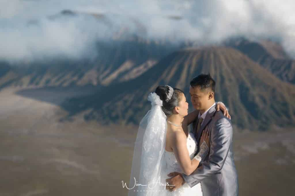 Nikon Z6 wedding shoot, Mount Bromo, Indonesia, Wim Arys Photography